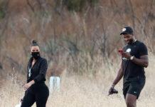 """Khloe Kardashian et Tristan Thompson ont l'air """"très heureux"""" alors qu'ils profitent d'une randonnée ensemble dans les collines de Malibu (photos)"""