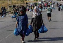 Grèce: à Lesbos, après l'incendie du camp de Moria, l'évacuation des réfugiés s'accélère