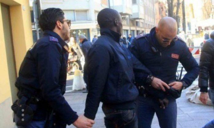 Espagne : 11 Sénégalais arrêtés pour avoir dépensé 97 millions de F Cfa avec des cartes bancaires volées