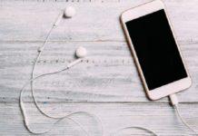 Kaolack: un adolescent électrocuté par les écouteurs de son téléphone portable