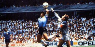 """L'arbitre tunisien Ali Bennaceur, l'homme qui n'a pas vu la """"main de Dieu"""" du génie Maradona"""""""