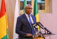 """Prix de l'eau: """"Une baisse n'est pas envisagée"""", selon le ministre Serigne Mbaye Thiam"""
