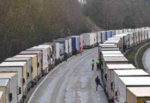 Covid-19 au Royaume-Uni : près de Douvres, Noël dans le camion pour les chauffeurs bloqués
