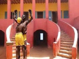 Taxes bizarroïdes pour des photos prises à Gorée : Une équipe de Jeune Afrique obligée de payer 200 mille francs