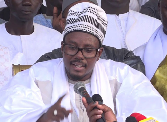 TOUBA / Cheikh Bass Abdou Khadre dénonce la pratique du football et le nombre impressionnant de chiens dans la cité.