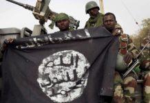 Le Sénégal est l'un des pays africains qui sont devenus une cible terroriste pour le djihadisme au Sahel. Avec la Côte d'Ivoire, le Bénin et d'autres États côtiers africains, le pays est un centre de préoccupation majeur pour les forces de sécurité antiterroristes opérant dans la région. Début 2021, les forces de sécurité sénégalaises ont démantelé une cellule djihadiste dans la ville de Kidira, à quelques kilomètres de la frontière avec le Mali. Parmi les quatre accusés figure un commerçant qui était surveillé par les services de sécurité du pays côtier depuis deux ans, après que son numéro de téléphone soit apparu dans l'un des groupes du réseau de messagerie instantanée WhatsApp lié à la Katiba Macina, un groupe local appartenant à la coalition JNIM. La franchise d'Al-Qaïda dans la région du Sahel, le Groupe pour le soutien de l'islam et des musulmans (connu sous le nom de coalition JNIM), a multiplié les attaques à la frontière entre le Mali et le Sénégal au cours des deux dernières années dans le cadre du processus d'expansion de son activité djihadiste en Afrique de l'Ouest, en particulier le groupe local affilié à la coalition Katiba Macina. Déjà en 2015, une trentaine d'imams et autres agents endoctrineurs ont été accusés d'activités de prosélytisme à Kaolack, Kolda et dans la banlieue de Dakar, intensifiant les unités de surveillance et de protection dans les territoires ciblés par la menace djihadiste. Parmi les raisons trouvées pour établir cette expansion progressive et le développement de l'activité vers d'autres zones d'influence, il y aurait, principalement, la confrontation continue entre la coalition du JNIM et son rival régional, l'État islamique dans le Grand Sahara (EIGS), ainsi que le besoin ressenti par le leader du JNIM, Amadou Kouffa, de déplacer la lutte armée au-delà des frontières traditionnelles du Mali et du Burkina Faso, ce qui fournirait au groupe plus d'influence, de financement et de nouvelles niches de recrutement. Cependant, ces de