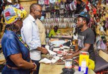 Soumbédioune et Médina : Ousmane Sonko et son staff en visite chez les artisans
