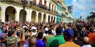 Cuba: l'internet, grand allié des manifestations inédites, coupé sur l'île